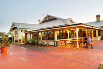 Potters Hotel and Brewery - Accommodation Mount Tamborine
