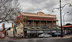 Royal Oak Hotel - Accommodation Mount Tamborine
