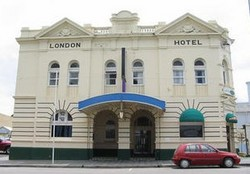 The London Hotel - Accommodation Mount Tamborine
