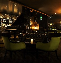 Trademark Hotel Lounge Bar and Piano Room - Accommodation Mount Tamborine