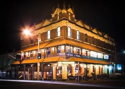 Willoughby Hotel - Accommodation Mount Tamborine