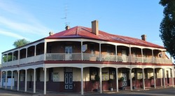 Brookton Club Hotel - Accommodation Mount Tamborine