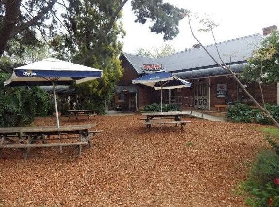 Victoria Hotel - Accommodation Mount Tamborine