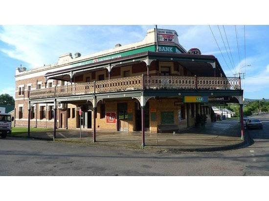 Bank Hotel Dungog - Accommodation Mount Tamborine