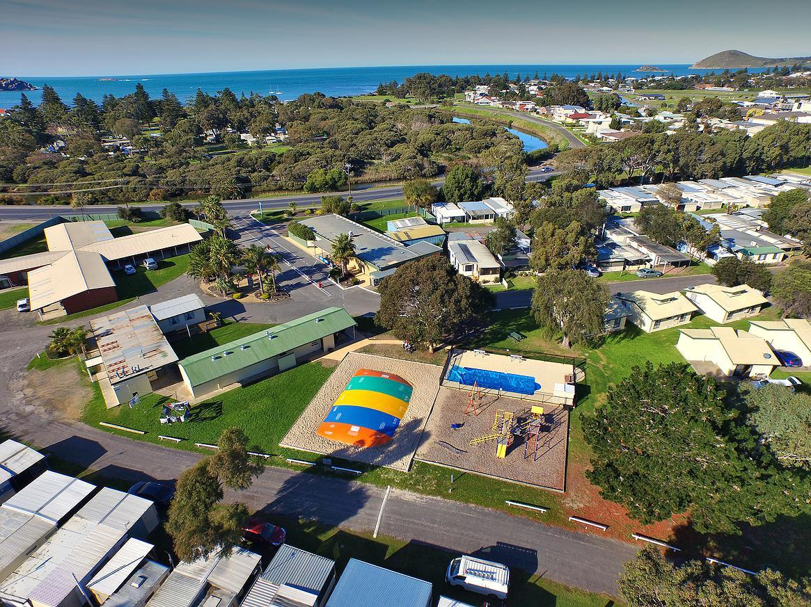 Victor Harbor Holiday  Cabin Park - Accommodation Mount Tamborine