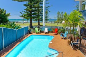 Beach House Holiday Apartments - Accommodation Mount Tamborine