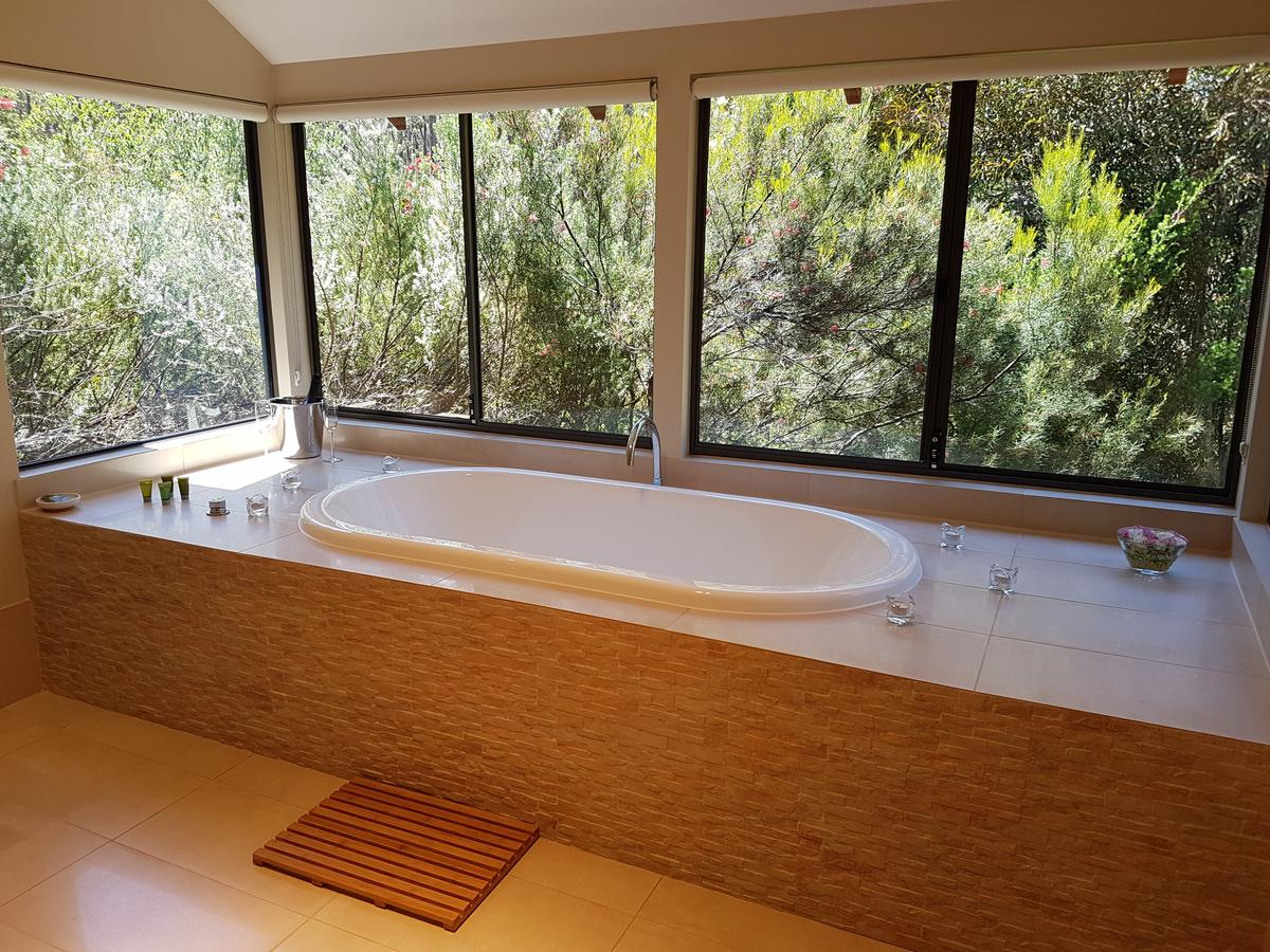 Jarrah Grove Forest Retreat - Accommodation Mount Tamborine