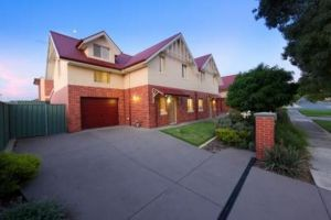 Albury Suites - Schubach Street - Accommodation Mount Tamborine