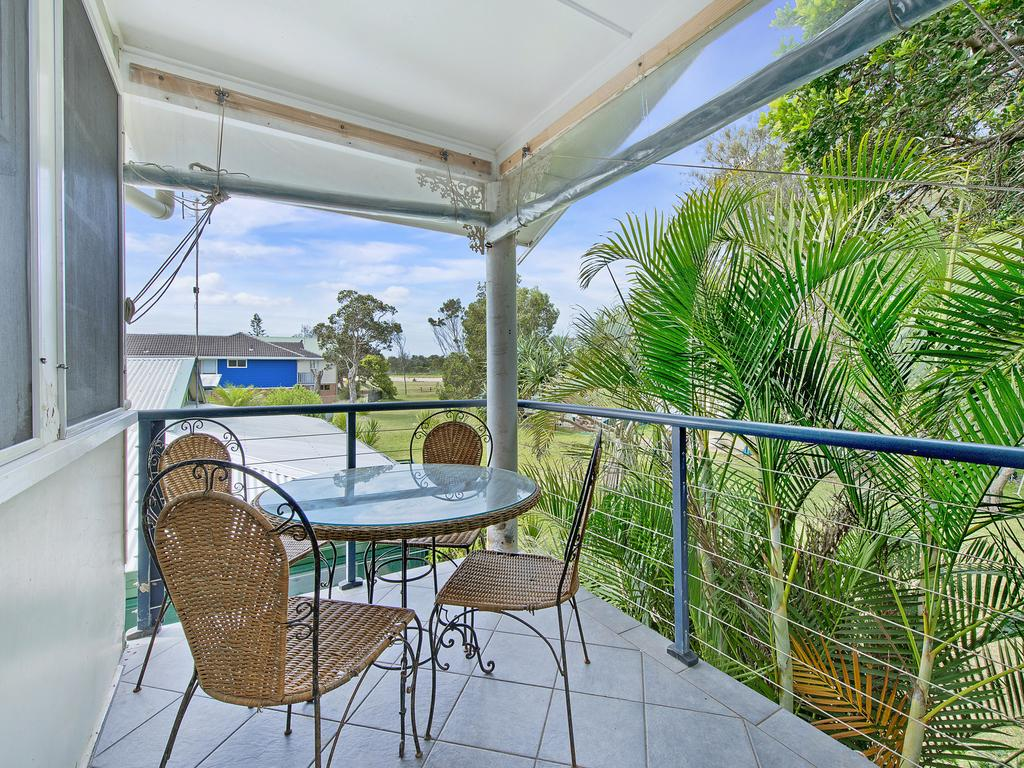 Allamanda House 3 Willow Street - Accommodation Mount Tamborine